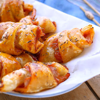 Ham and Cheese Pizza Roll-Ups