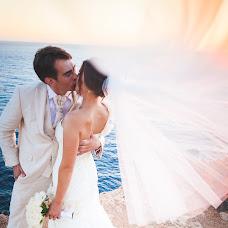 Wedding photographer Yanis Luste (lustephoto). Photo of 08.08.2014