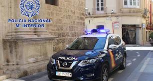 Un vehículo policial detuvo a un invidudo tras intentar robar en una Farmacia de la calle Murcia.