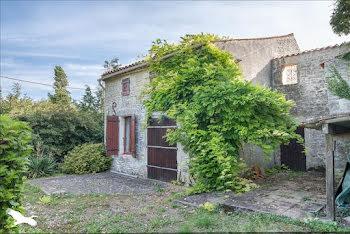 maison à Genouille (17)
