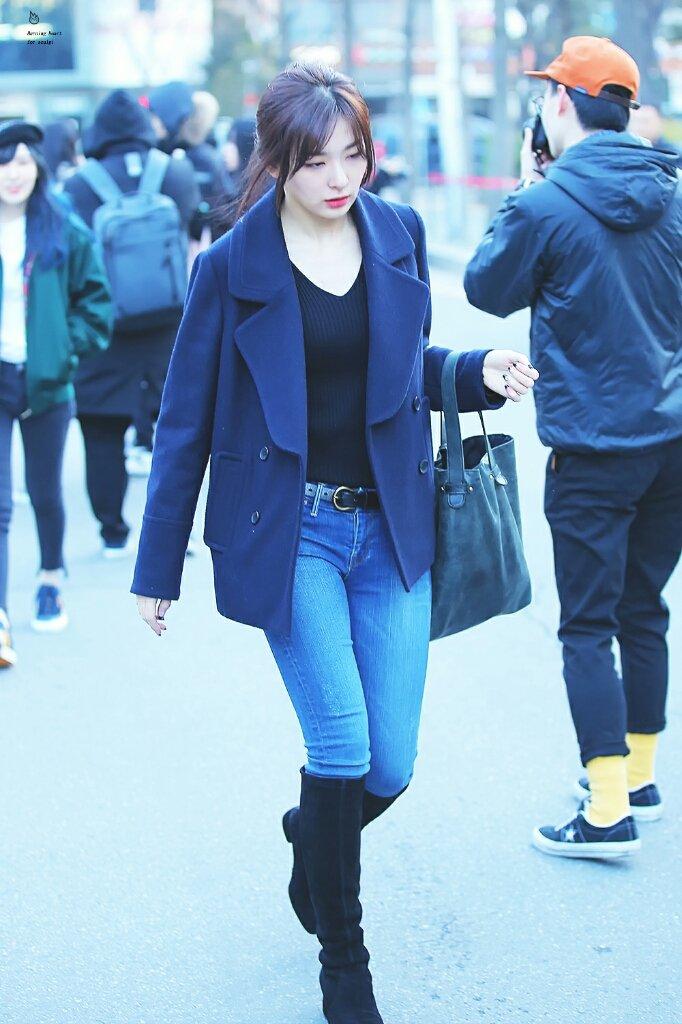 seulgi jeans 32