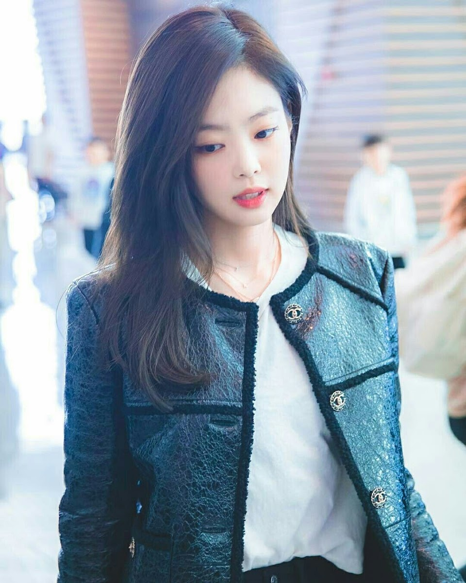 jennie chanel jacket