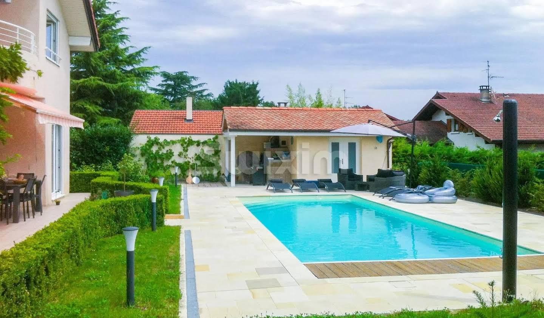 Maison avec jardin et terrasse Thoiry