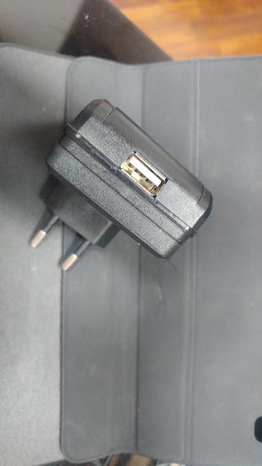 Uscita USB telecamera Wifi con registrazione su SD ( microcamera spia HD pronta all'uso)