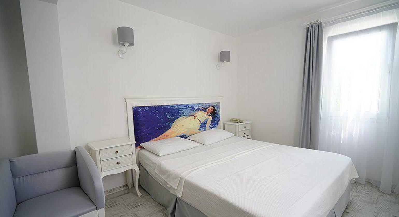 Art Suites Hotel
