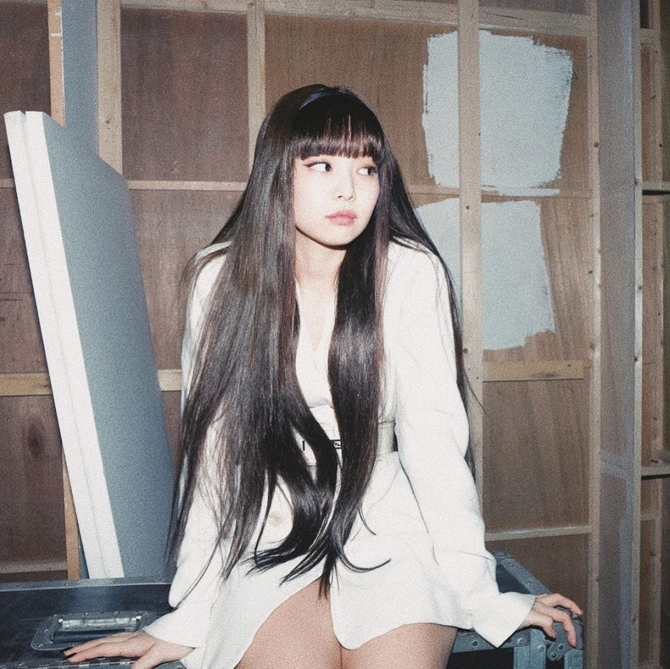 blackpink jennie bangs 3