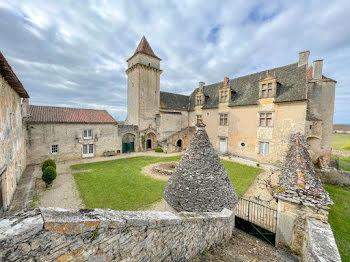 château à Saint-Jean-de-Laur (46)