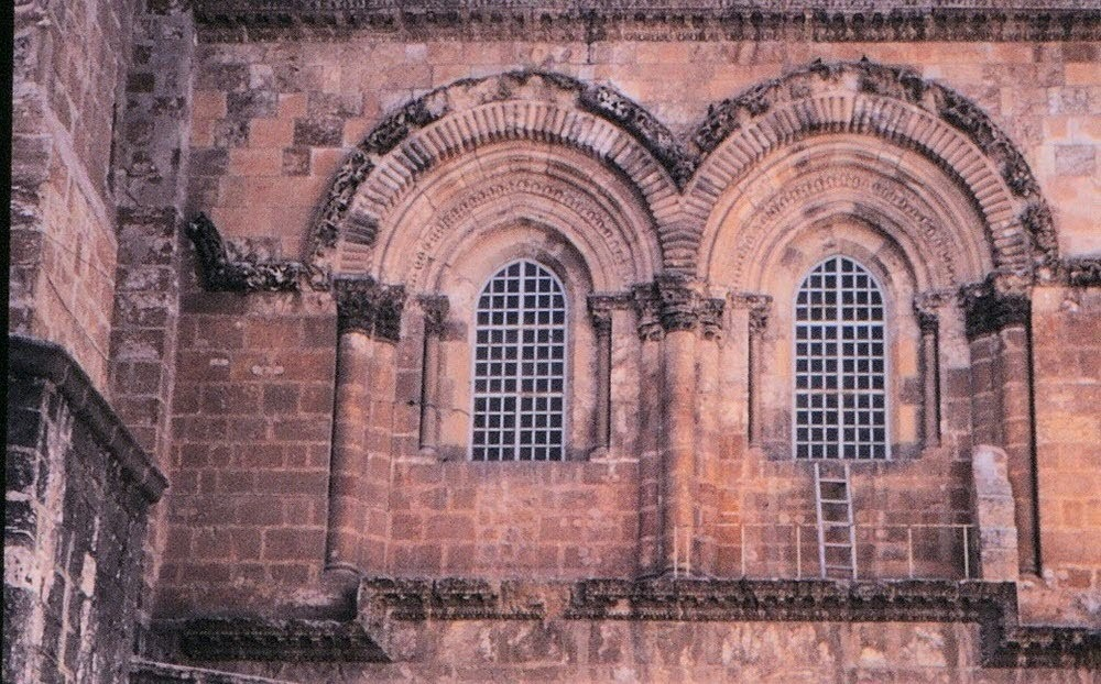A escada imóvel do Santo Sepulcro em Jerusalém