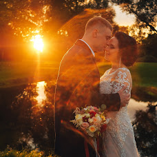 Wedding photographer Vitaliy Sinicyn (FotoSin). Photo of 20.11.2017