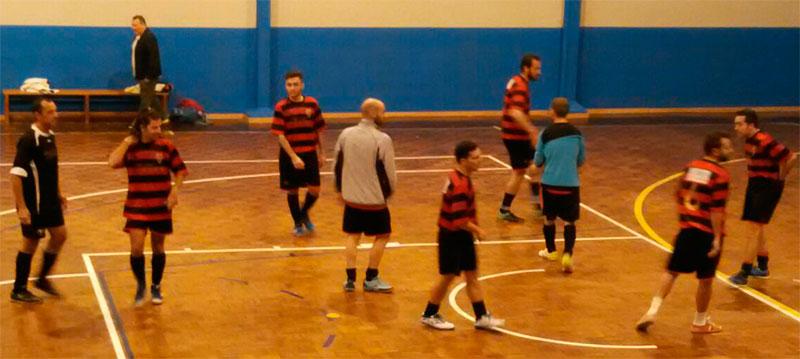 El equipo de fútbol sala vence por 2-1