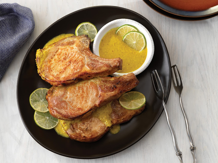 Pork Chops with Spicy Turmeric Sauce
