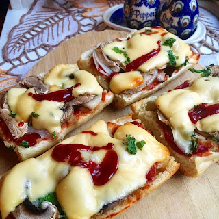Zapiekanka (Toasted open-face sandwich)