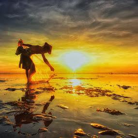 Preparation by Hendri Suhandi - People Street & Candids ( bali, sunset, beach, fisherman, landscape, people )