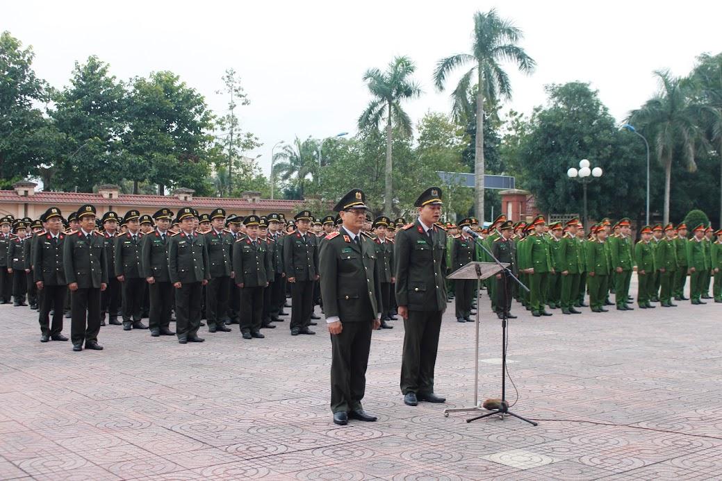 Lãnh đạo, CBCS Công an Nghệ An tham dự lễ chào cờ tháng 12/2019