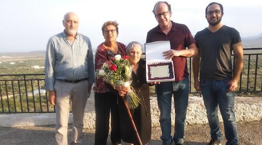 Homenaje del PSOE a la abuela más longeva de Oria