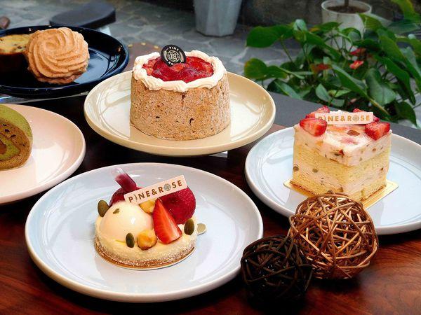 100元起精緻甜點,整顆戚風滿滿鮮奶油撲滿草莓,松薇食品