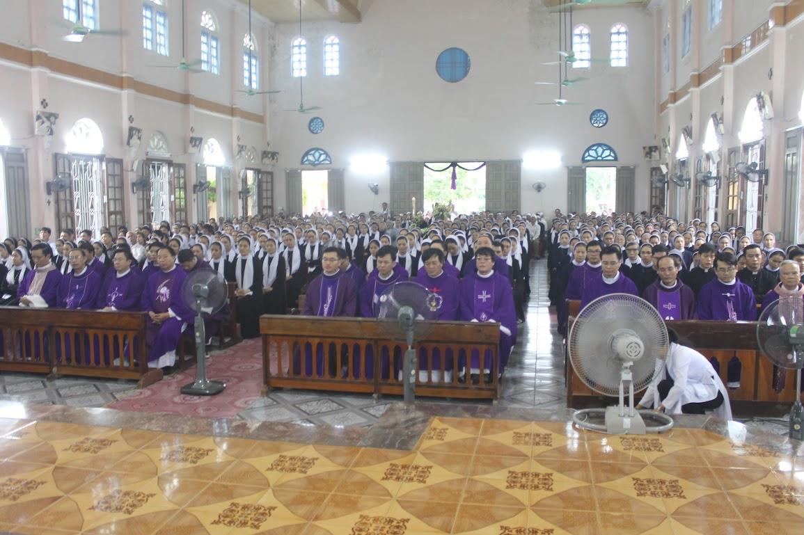Thánh Lễ An Táng Nữ Tu Anna Trần Thị Phượng - Dòng Mến Thánh Giá Vinh - Ảnh minh hoạ 17