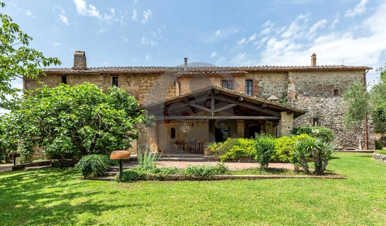 Corps de ferme avec dépendances et jardin Castelnuovo Berardenga