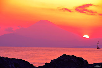 """Photo: Fuji for all Seasons(日本語↓) 富士山の四季 """"If I can put one touch of rosy sunset into the life of any man or woman, I shall feel that I have worked with God.""""~ G. K. Chesterton もし私がバラ色の夕日を誰かの人生に与えることが出来るなら、私は神と供に仕事をしたと感じるだろう。〜G.K. チェスタートン Other photos are available in my page, thank you!! 他の写真は下記の私のページにアップしていますので、よろしくお願いいたします。https://www.facebook.com/midoriphoto"""