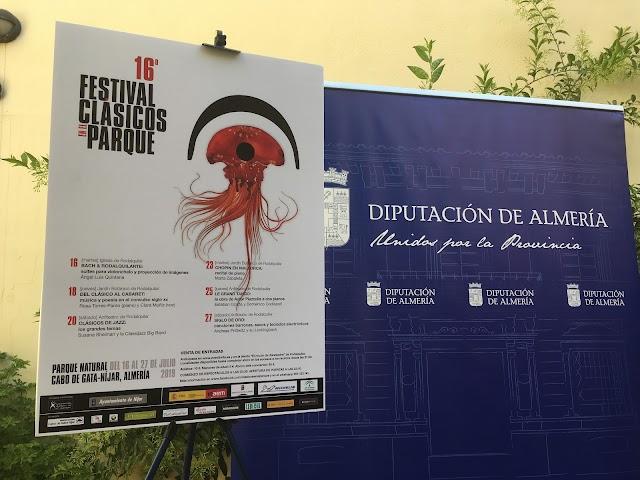Cartel del festival Clásicos en el Parque