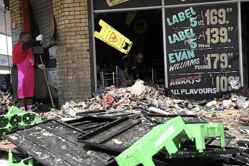 KYK | Ons het niks nie: Honderde vlugtelinge staar 'n onsekere toekoms in die gesig ná Katlehong-vreemdelingehaat - SowetanLIVE