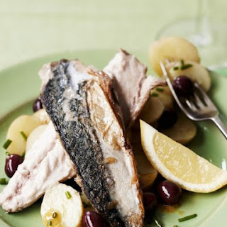 Mackerel Fillets with Olives and Lemon