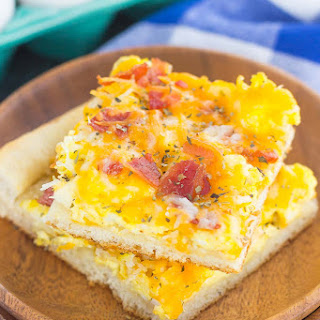 Bacon and Egg Breakfast Pizza.