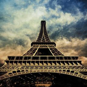 Eiffel Tower by Brandon Rechten - Buildings & Architecture Statues & Monuments