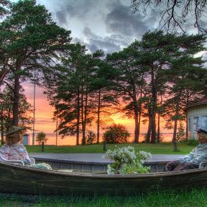 Auringonlasku III Flickr.jpg