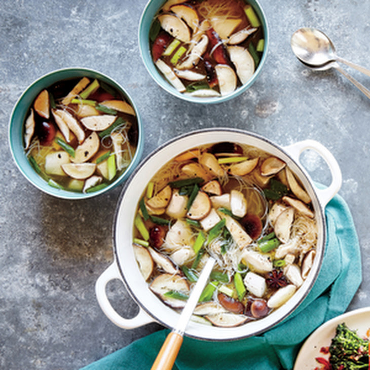 Ginger Chicken, Shiitake, and Scallion Soup Recipe | Yummly