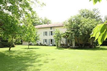 Maison 9 pièces 310 m2