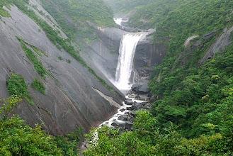 Photo: 鯛之川に掛かる千尋(センピロ)の滝