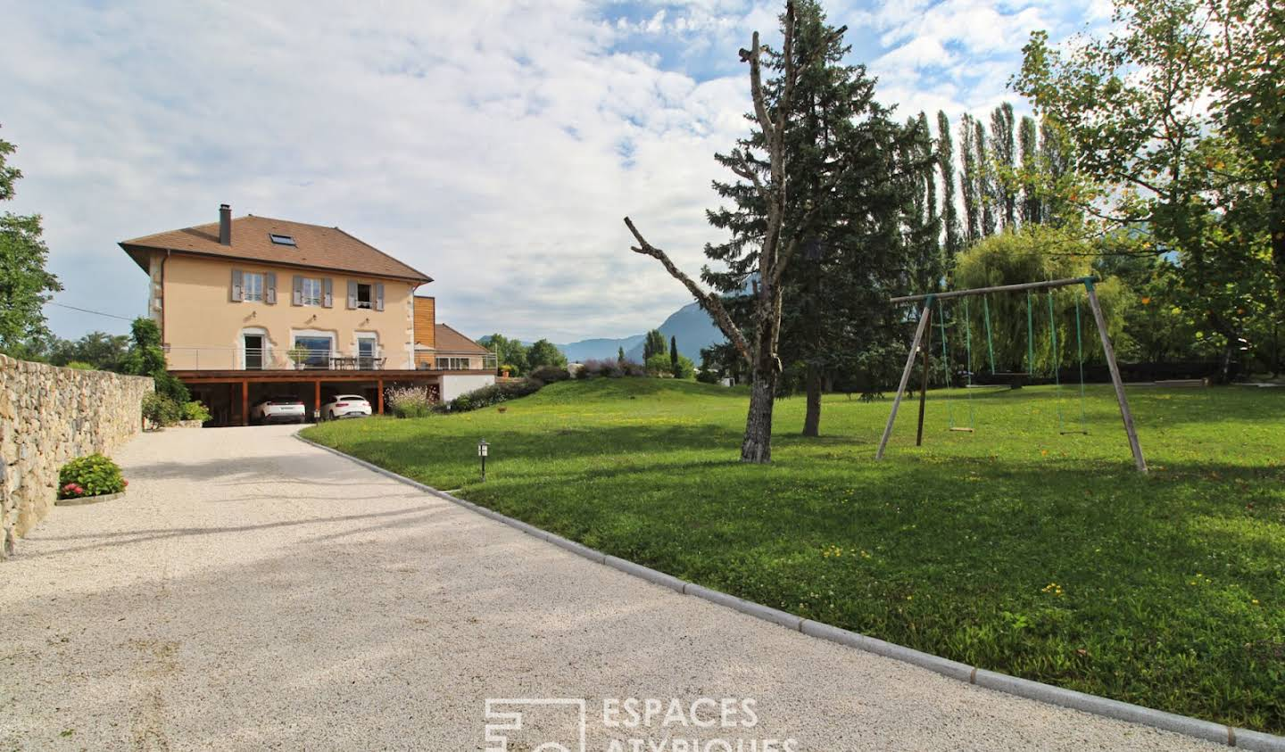 House with pool and terrace Chambery