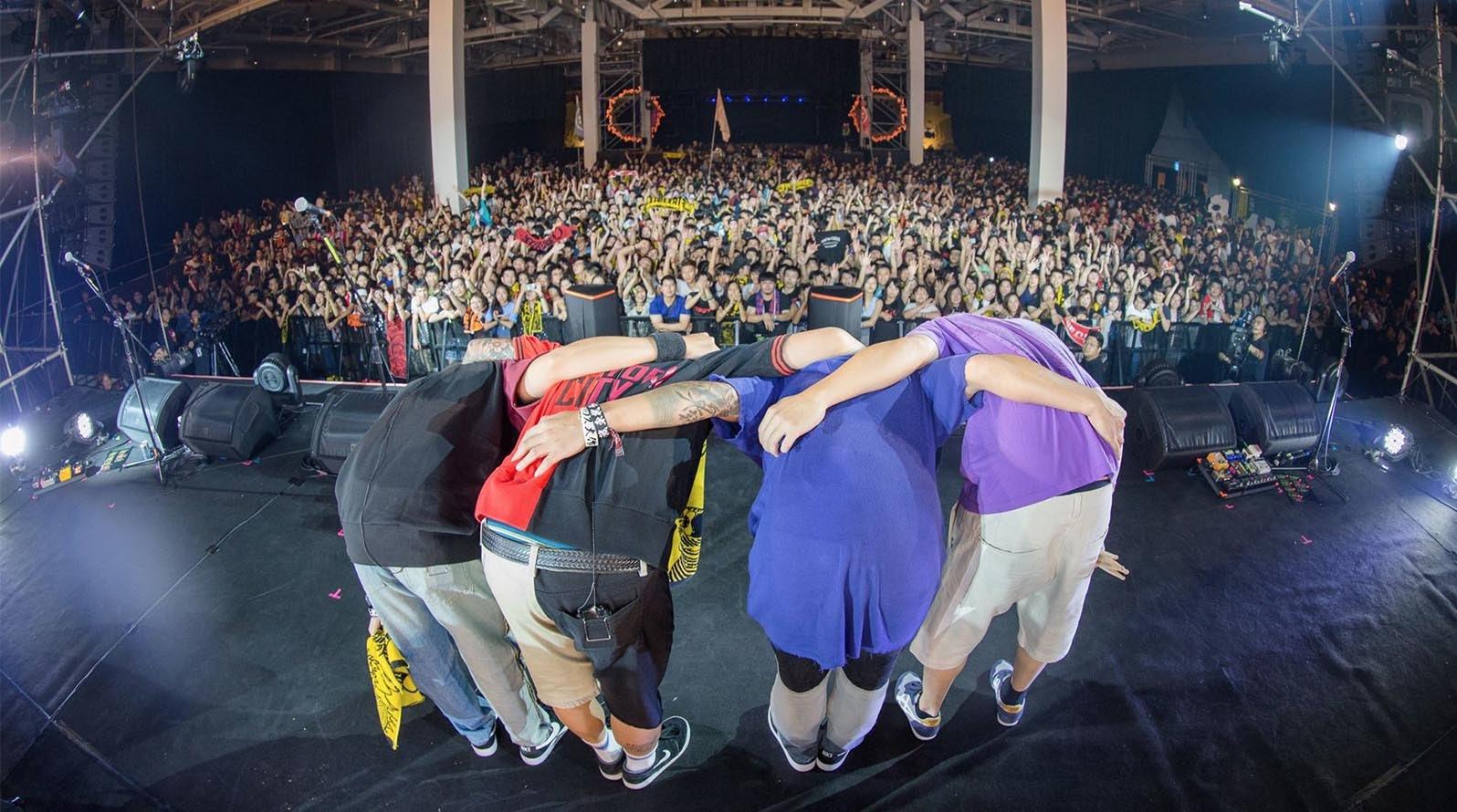 【迷迷現場】火球祭初日 沖繩團MONGOL800上陣 楊大正感動呼喊「謝謝你們!因為有你們讓一切有意義!」