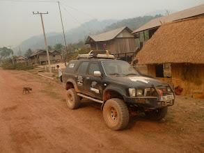 Photo: Další den vyrážíme na výlet po okolí. Chceme návštívit místní vesnice, kde se stále využívají na tvrdou práci sloni.