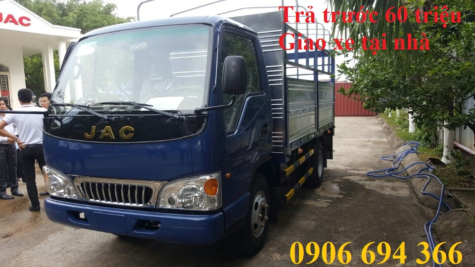 Đại lý bán xe tải Jac 2 tấn 4 máy isuzu vào được thành phố  ban ngày giá rẻ