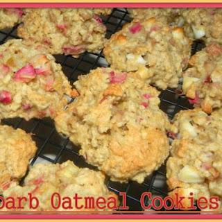 Rhubarb Oatmeal Cookies.