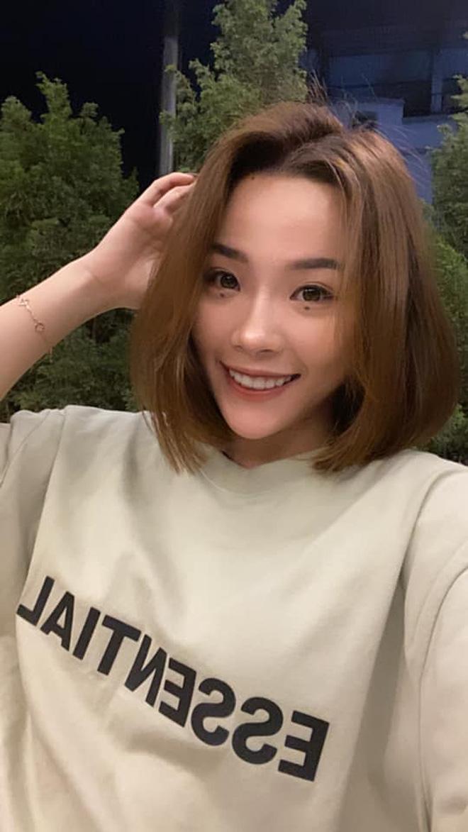 Nhan sắc đời thường của hot girl cầu lông Việt vừa đánh bại tay vợt Pháp tại Olympic 2020 - Ảnh 3.