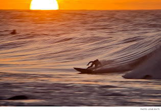 Photo: Rocky Point, Oahu. Photo: Lowe-White #Surfer #SurferPhotos