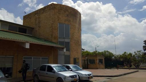 Locales en Arriendo - Cota, Cota 642-4083