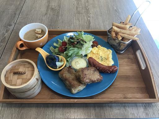 蠻有變化的早午餐😊 下次在吃其他的看看😋