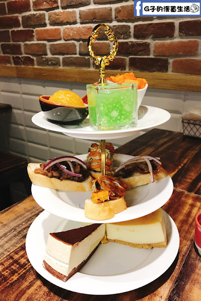 考乍熋宝-泰式創意餐廳,泰式結合英式下午茶,椰香棒棒~享受優雅的tea time台北中山