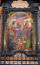 """Photo: """"Sacra conversazione"""", tempera di Gandolfino da Roreto raffigurante la Madonna tra i Santi e il committente Obertino Solaro (1516), nota anche come La Madonna del banchiere"""