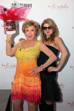 Photo: Adrienne Papp & Cloris Leachman