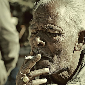 one cold morning by Usman Irani - People Portraits of Men ( naini tal, cold morning, smoking, male, smoker, old man, portrait, , Travel, People, Lifestyle, Culture )