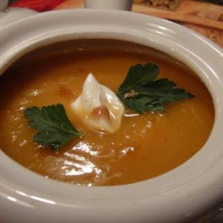 Spicy Sweet Potato-Apple Soup