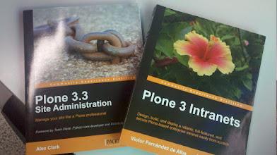 Photo: Mis libros de Plone