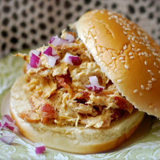 {Slow Cooker} Cream Cheese Ranch Chicken Sandwiches Recipe