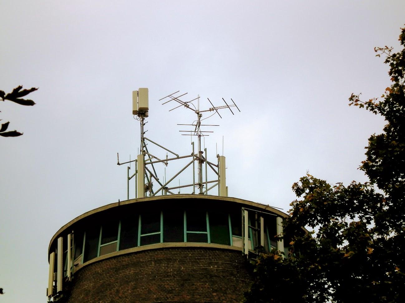 Kalocsa/Érsekkert, víztorony - helyi URH-FM+DVB-T adóállomás