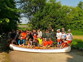 Photo: Gruppo alla partenza con Canoisti,Ciclisti e Guardie del Parco